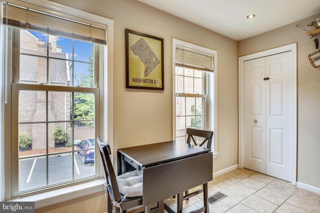Kitchen windows, patry - 1176 N UTAH ST, ARLINGTON
