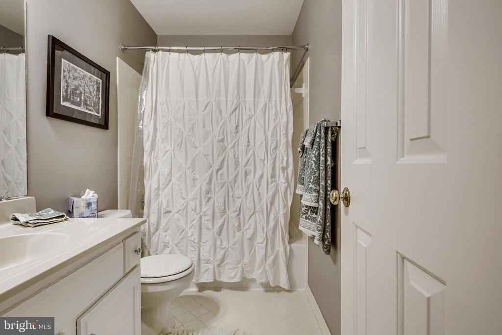 Bathroom #2 - 1176 N UTAH ST, ARLINGTON