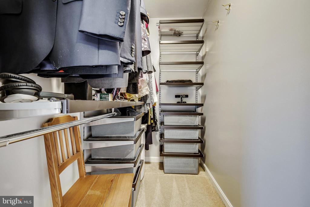 Walk in Closet - 1176 N UTAH ST, ARLINGTON