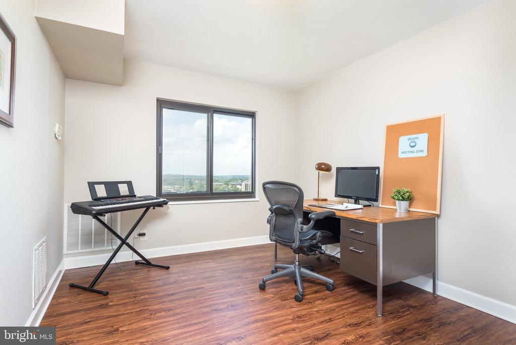 Office/Bedroom, needed now more than ever - 205 YOAKUM PKWY #1818, ALEXANDRIA