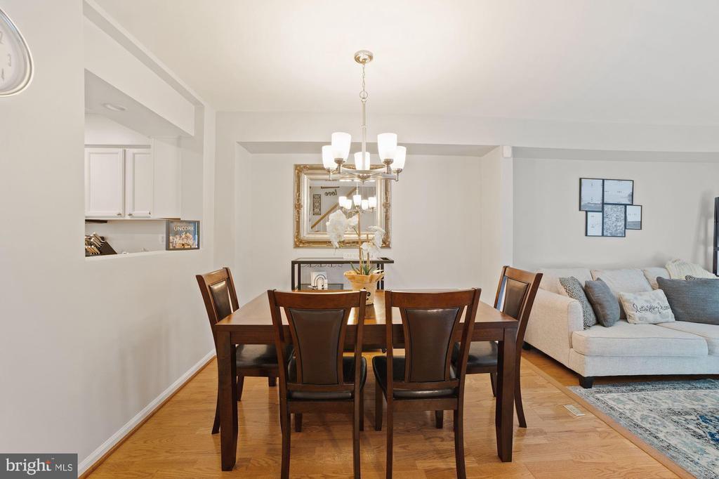Dining Room - Hardwood Floors - 8486 SPRINGFIELD OAKS DR, SPRINGFIELD
