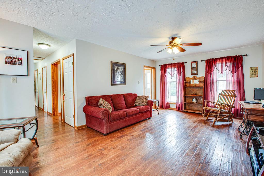 Living Room - 1546 W OLD MOUNTAIN RD, LOUISA