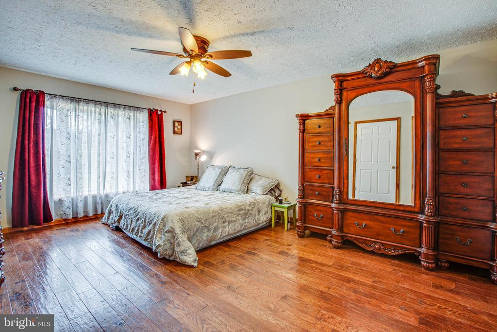 Master Bedroom/Suite - 1546 W OLD MOUNTAIN RD, LOUISA