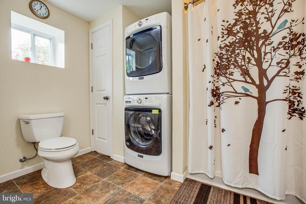 Bathroom in Basement with Washer/Dryer - 1546 W OLD MOUNTAIN RD, LOUISA