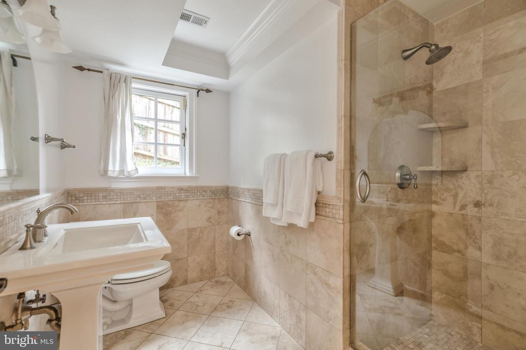 Entry level Full Bathroom - 3629 ALBEMARLE ST NW, WASHINGTON