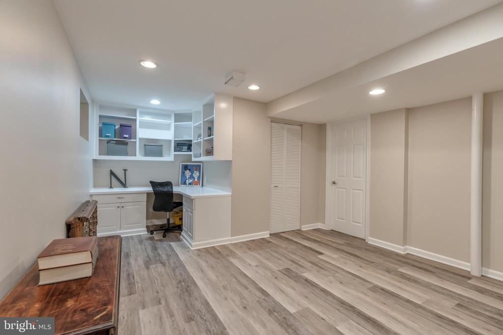 Recreation room/ Office and large storage room - 3629 ALBEMARLE ST NW, WASHINGTON