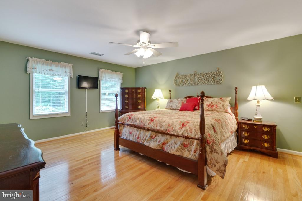 Owner's suite shown with King Size furniture - - 13613 BETHEL RD, MANASSAS