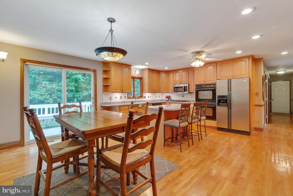 Eat in kitchen with seating at the island too! - 13613 BETHEL RD, MANASSAS