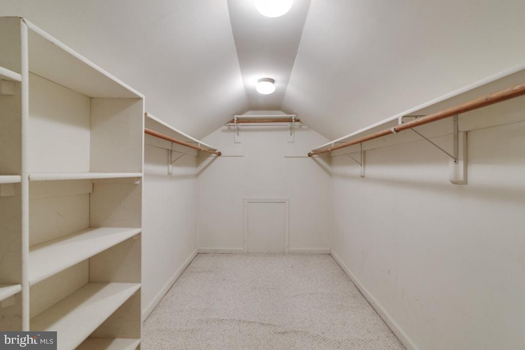 Walk-in closet - 13613 BETHEL RD, MANASSAS