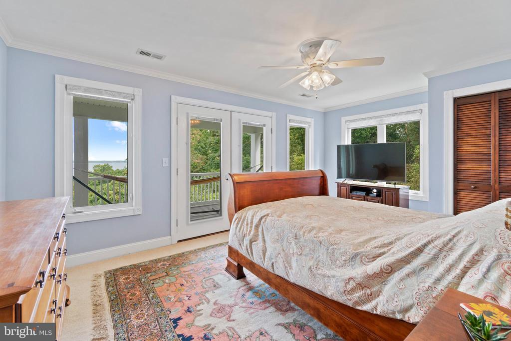 second bedroom with balcony access - 36 POCAHONTAS LN, STAFFORD