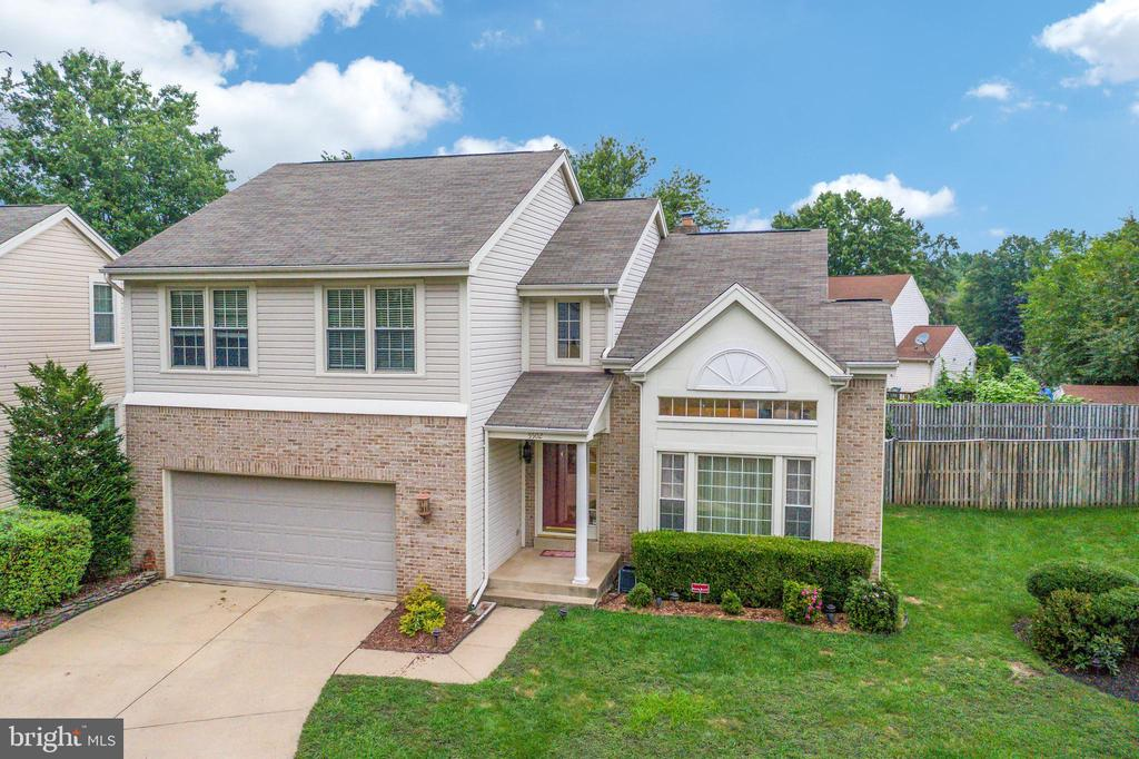 - 5502 VILLAGE CENTER DR, CENTREVILLE