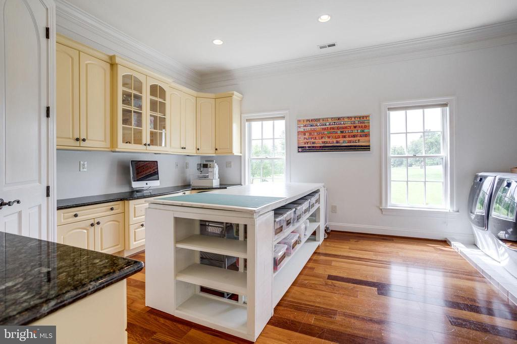Laundry Room with Built-In's and Island - 17814 RUNNING COLT PL, LEESBURG