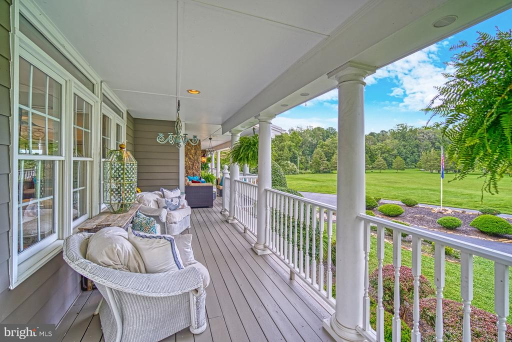 Wrap Around Porch w/ Multiple Entertainment Areas - 7421 DUNQUIN CT, CLIFTON