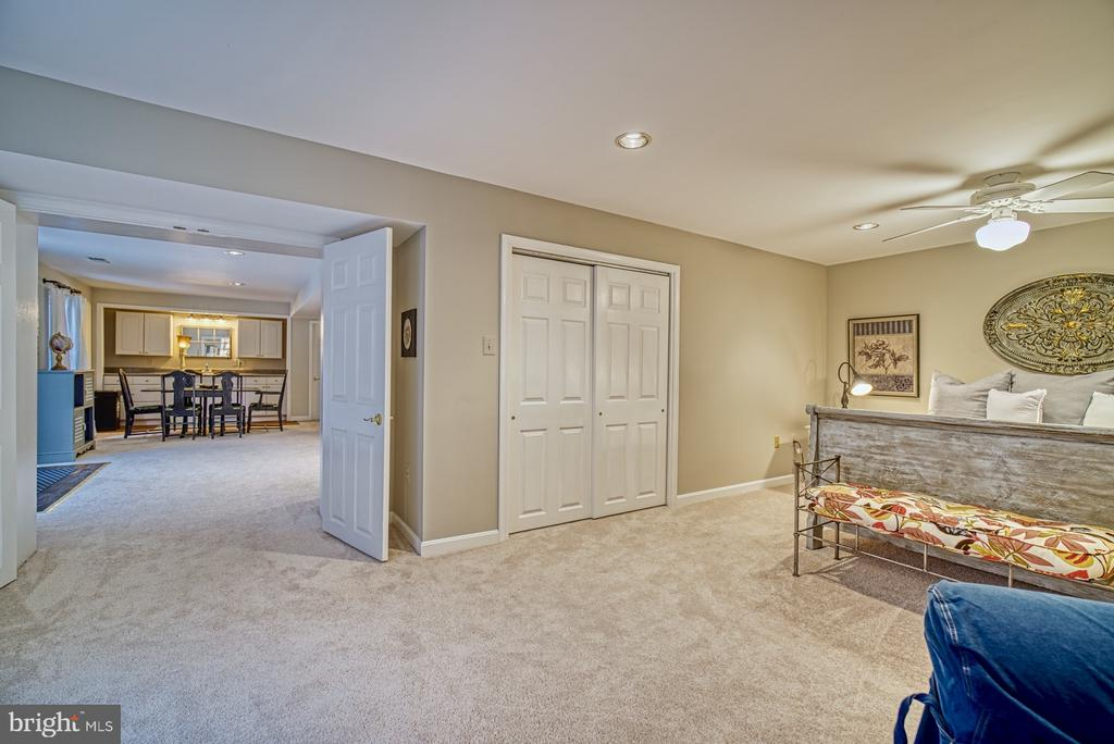 Lower Level Fifth Bedroom w/ Private Entrance - 7421 DUNQUIN CT, CLIFTON
