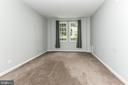 Primary bedroom overlooks courtyard - 1903 KEY BLVD #11545, ARLINGTON