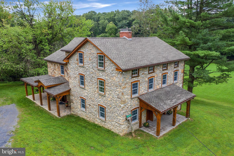 Single Family Homes vì Bán tại Downingtown, Pennsylvania 19335 Hoa Kỳ