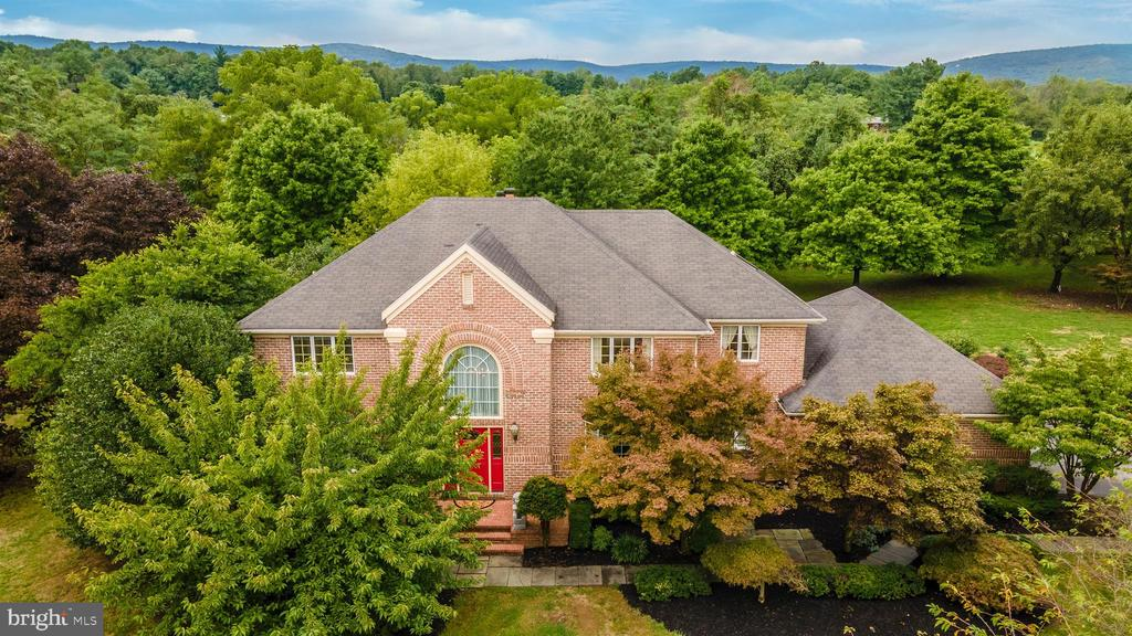 Private 2 plus acre lot - 6364 WINPENNY DR, FREDERICK