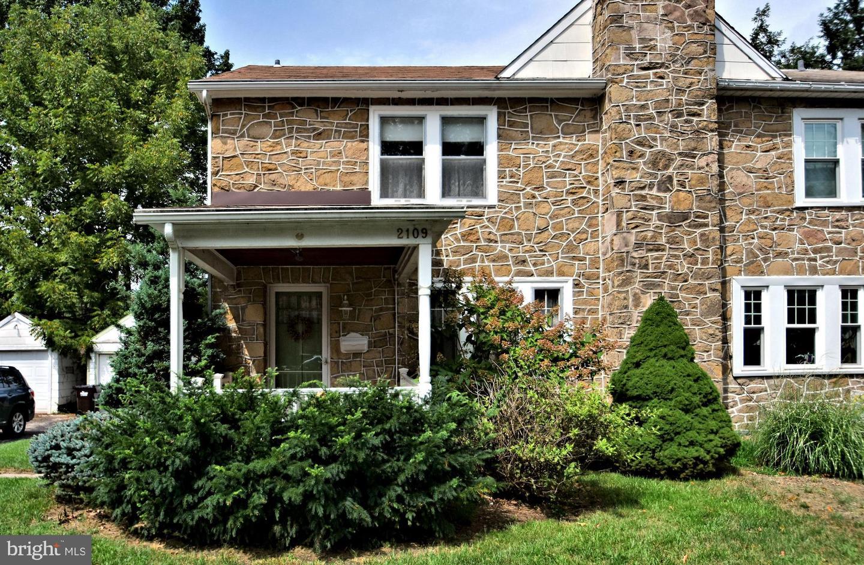 Single Family Homes för Försäljning vid East Norriton, Pennsylvania 19401 Förenta staterna