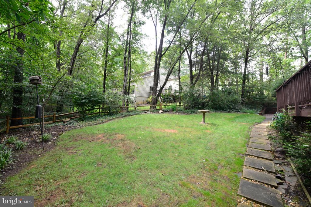 Back yard - 11137 GLADE DR, RESTON