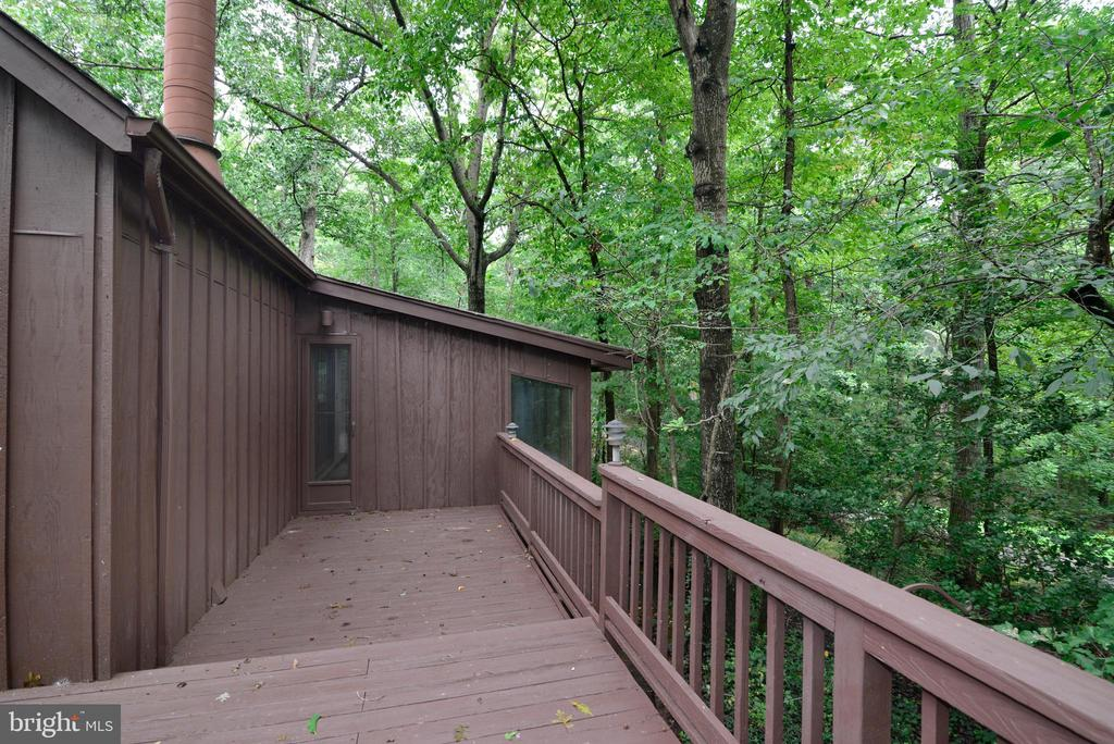 Deck from the owner's suite - 11137 GLADE DR, RESTON