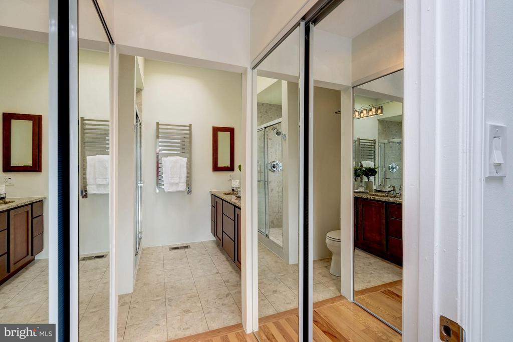 Walk-In Closet in MBR - 1534 T ST NW, WASHINGTON