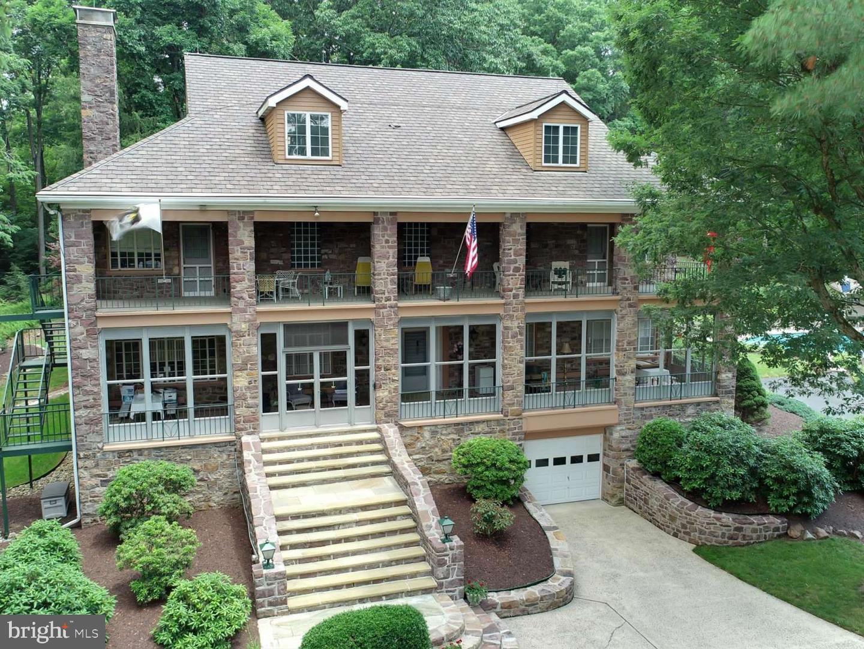 Single Family Homes per Vendita alle ore Summit Station, Pensilvania 17979 Stati Uniti