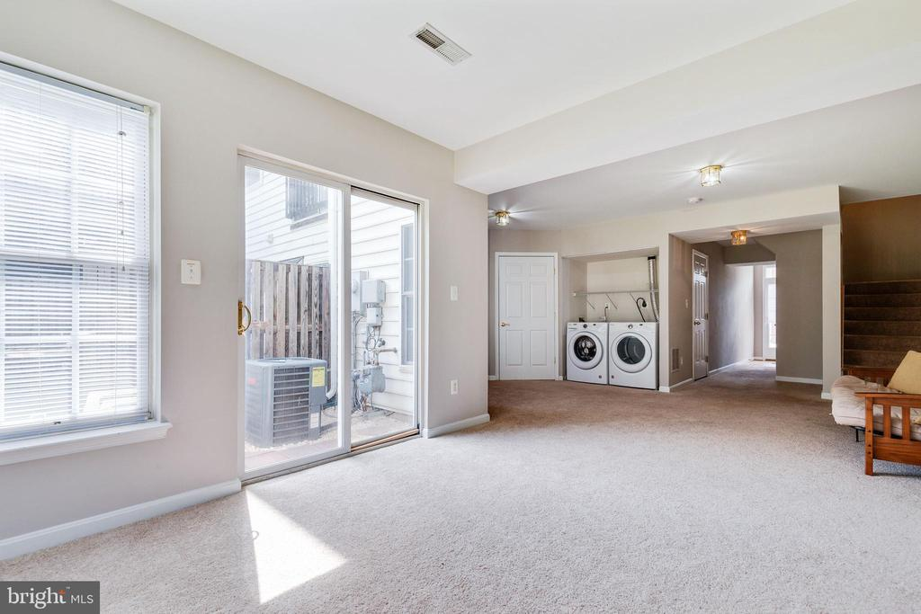 Washer and Dryer Convey - 25232 DUNVEGAN SQ, CHANTILLY