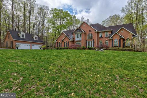 5726 COURTNEY DR