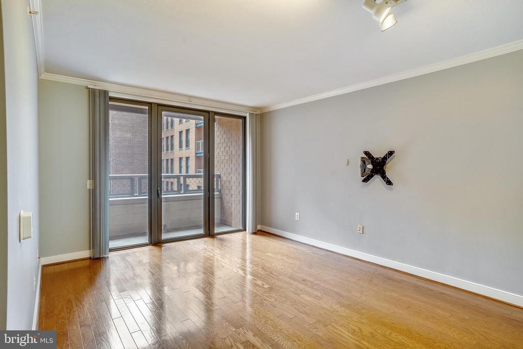 Gleaming Hardwood Floors - 616 E ST NW #602, WASHINGTON