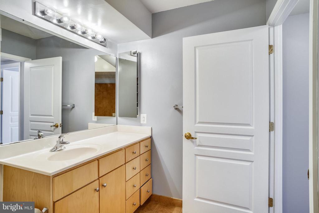 Bathroom - 616 E ST NW #602, WASHINGTON
