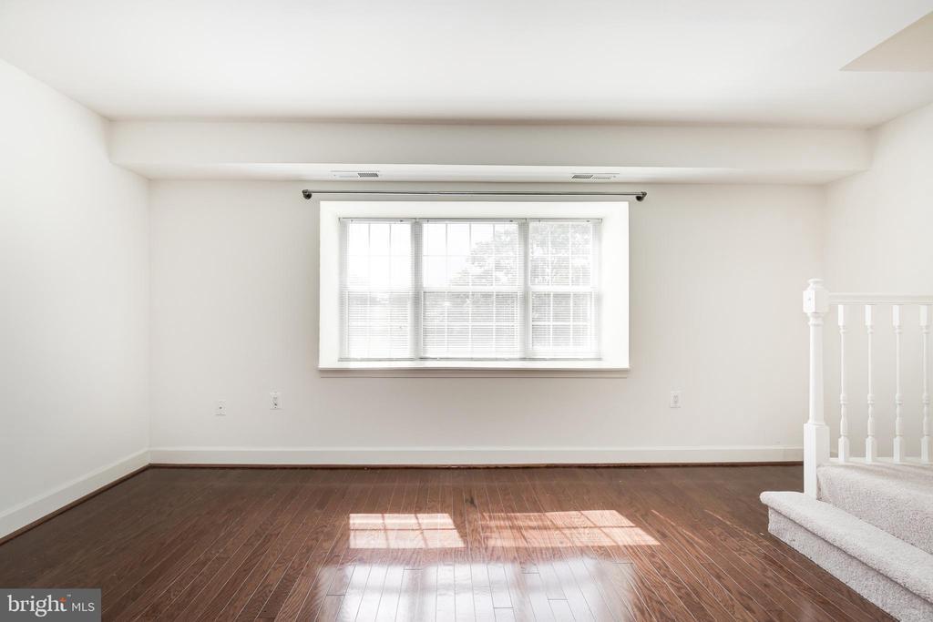 Living Room View 4 - 3601 NW 38TH ST NW #302, WASHINGTON