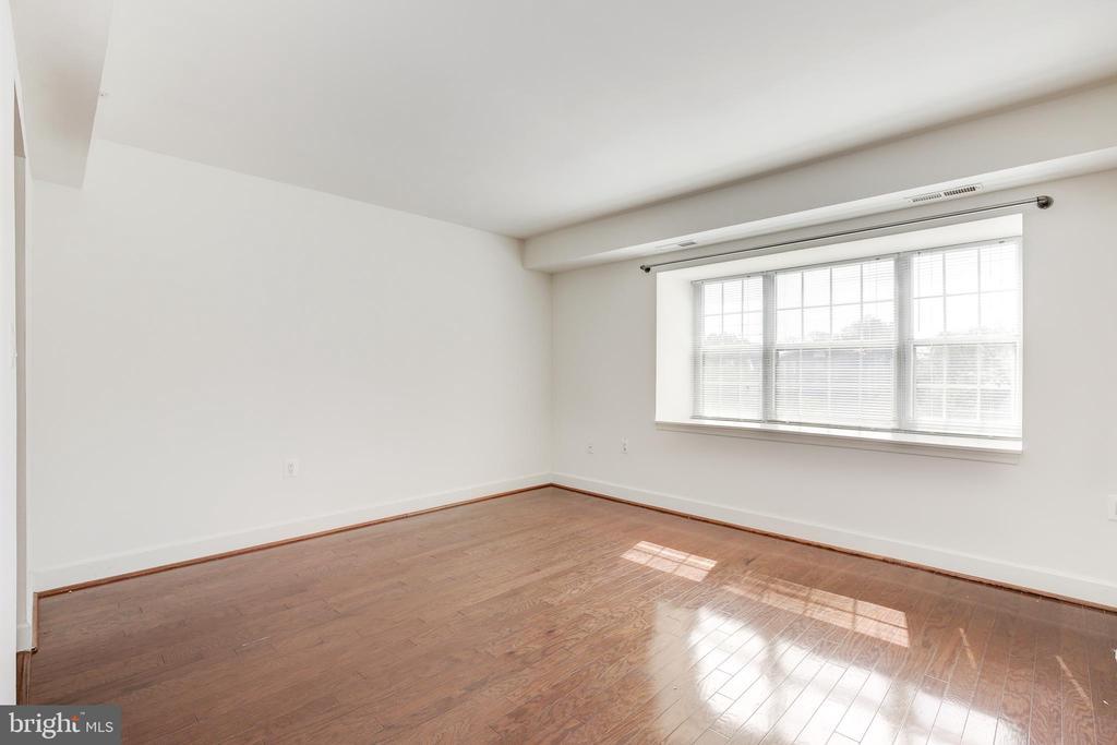 Living Room View 1 - 3601 NW 38TH ST NW #302, WASHINGTON