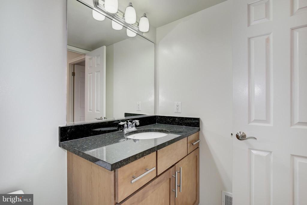 Half Bath - 3601 NW 38TH ST NW #302, WASHINGTON