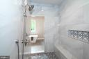 Walk through shower - 9524 LEEMAY ST, VIENNA