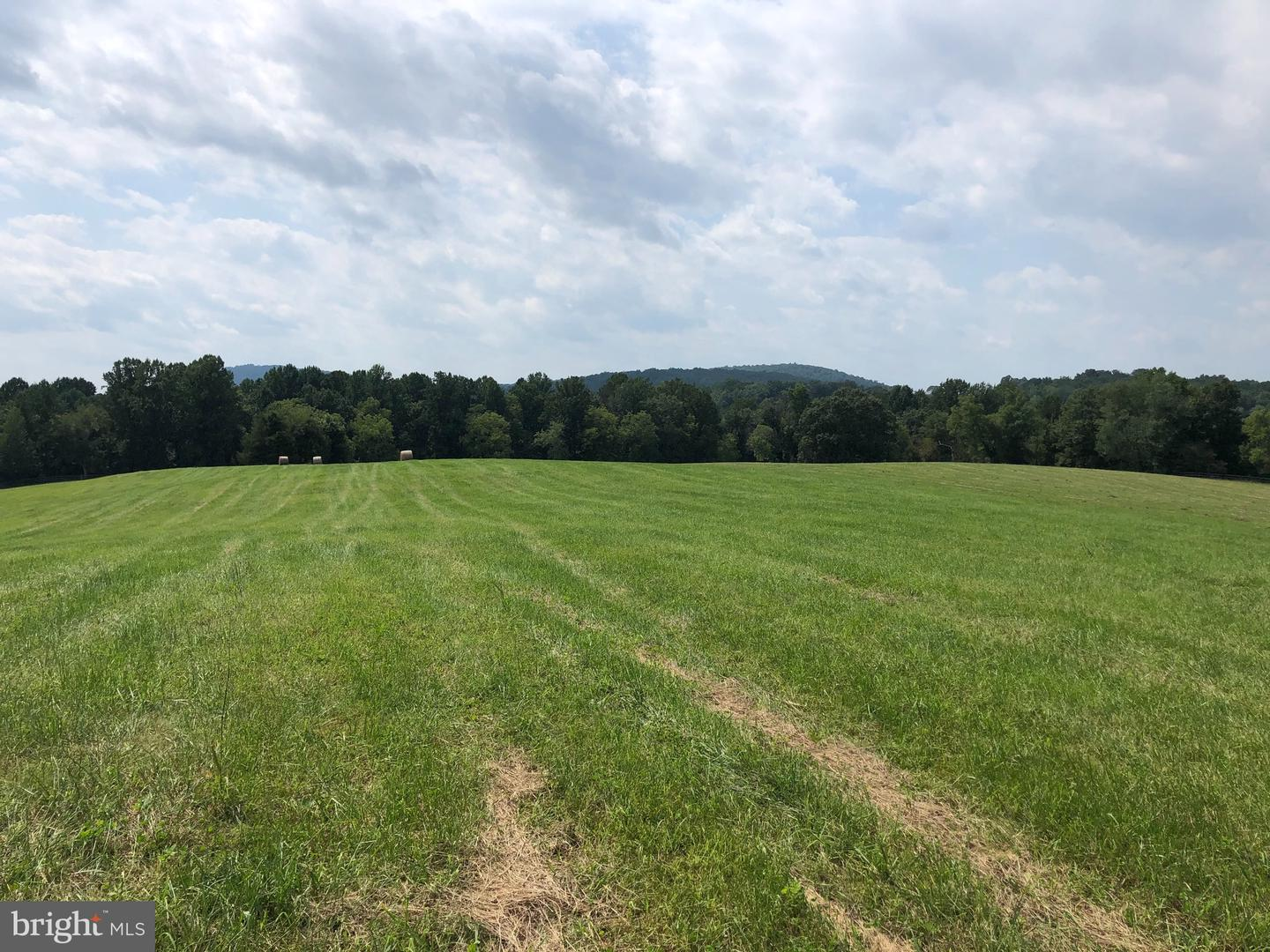 Land for Sale at The Plains, Virginia 20198 United States