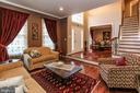 - 21211 EDGEWOOD CT, STERLING