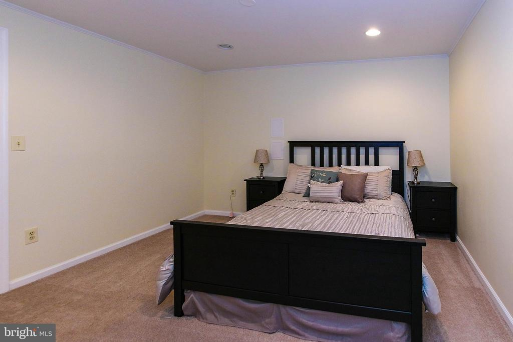 Basement Extra room 2 - 21211 EDGEWOOD CT, STERLING