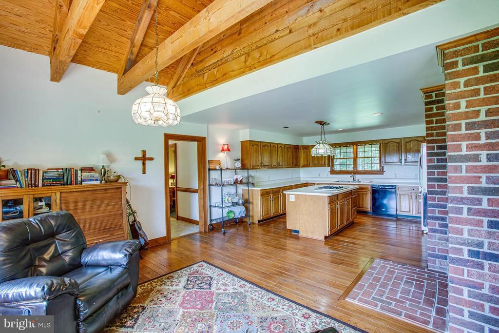 Breakfast area - beautiful wood beam ceiling - 50 CEDAR OAKS LN, FREDERICKSBURG