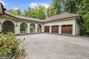 Breezeway & 3- Car Garage - 906 TURKEY RUN RD, MCLEAN