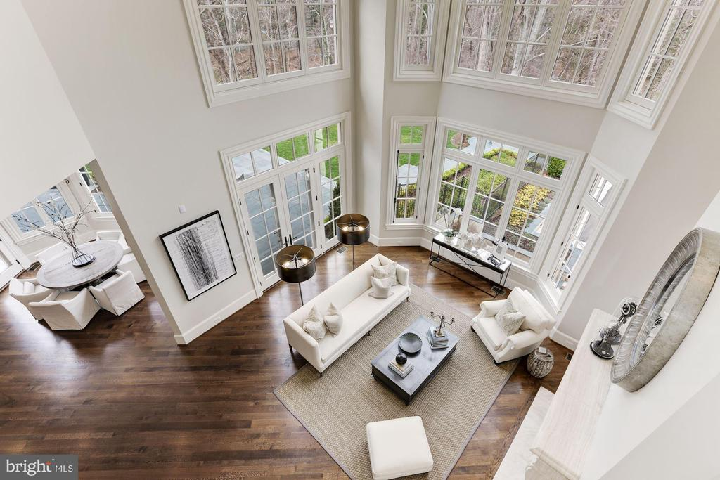 Family Room View from Above - 906 TURKEY RUN RD, MCLEAN