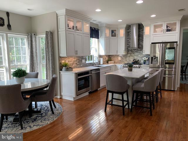 Newly renovated kitchen! - 802 SE TINA DR SE, LEESBURG