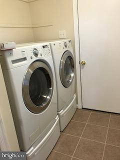 Washer and dryer - 203 STRATFORD CIR, LOCUST GROVE