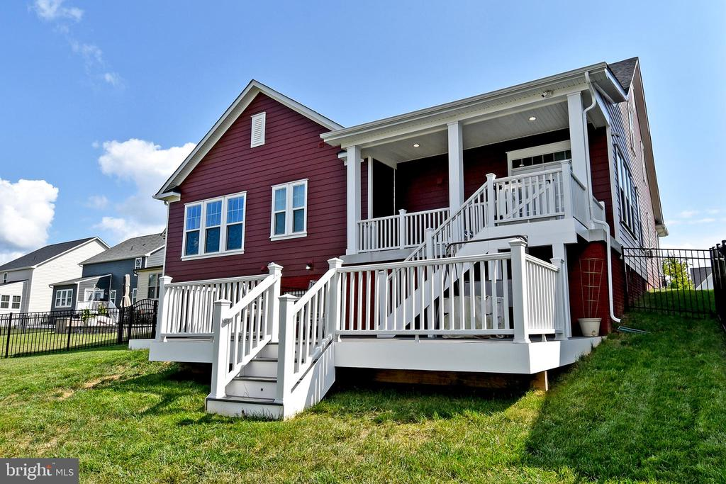 Covered Back-Porch and large Deck - 2522 SWEET CLOVER CT, DUMFRIES