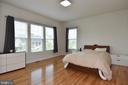 Hardwood Floors in Master Bedroom - 2522 SWEET CLOVER CT, DUMFRIES