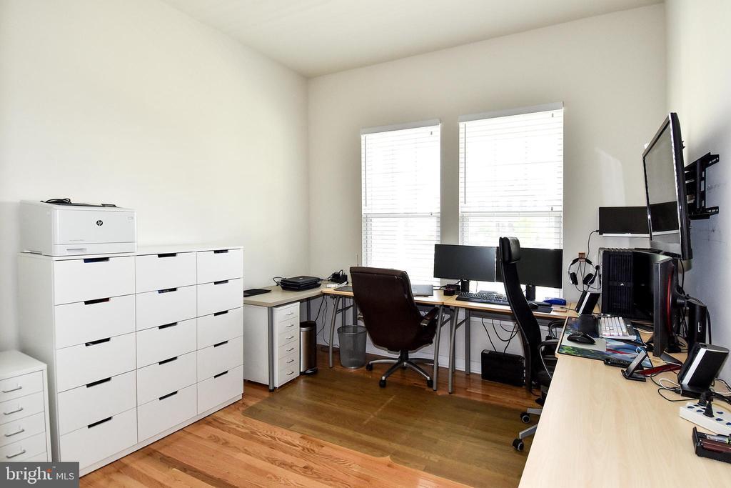 Front Bedroom - Hardwood Floors - 2522 SWEET CLOVER CT, DUMFRIES
