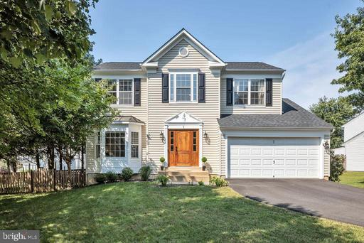 1 OAKFIELD DR