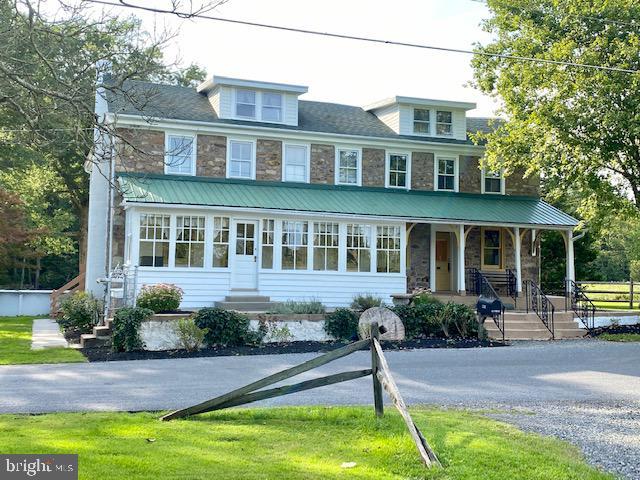 Single Family Homes のために 売買 アット Elverson, ペンシルベニア 19520 アメリカ