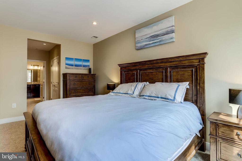 Primary bedroom - 1418 N RHODES ST #B414, ARLINGTON