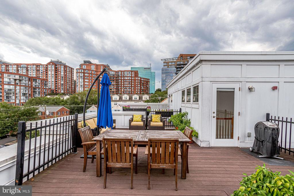 Rooftop views - 1418 N RHODES ST #B414, ARLINGTON