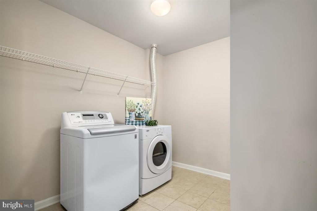 Laundry room - Plenty of space for cabinets - 130 TAMAR CREEK LN, STAFFORD
